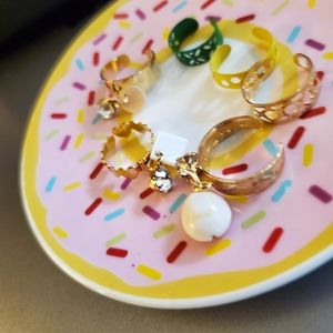 6 mixed cirs and styles  adjustable fun tie rings